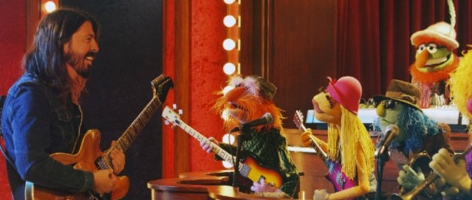 Dave Grohl vs Animal - The Muppets