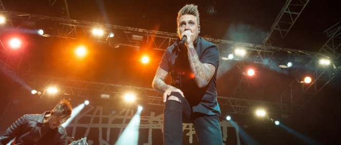 Papa Roach - Born For Greatness (Live Video)