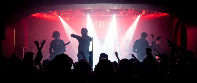 Crown The Empire, Volumes, Coldrain, Futurum Music Bar, Praha, 8.10.2018 (fotogalerie)